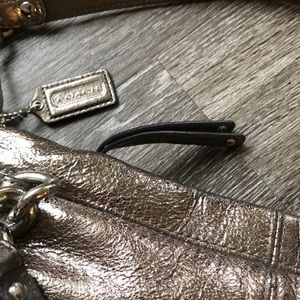 Coach Bags - Lightly used Coach Silver/Gold Brooke purse